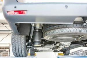 Штатные стальные пружины заменяются пневмобаллонами рукавного типа VB Airsuspension.