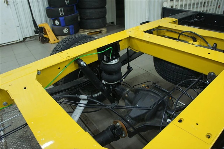 Вспомогательная пневмоподвеска задней оси VB-SemiAir для Ford Transit V363 спарка